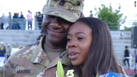 solider surprises daughter graduation dnt  _00013227.jpg