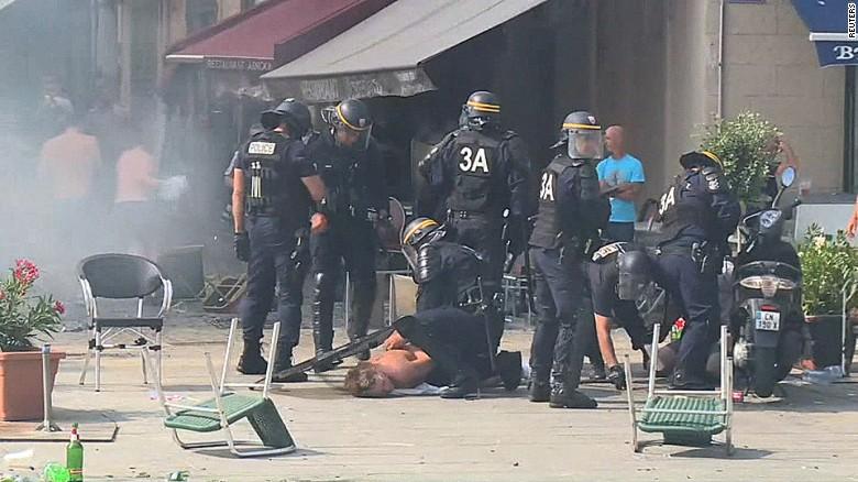 Violence erupts at Euro 2016