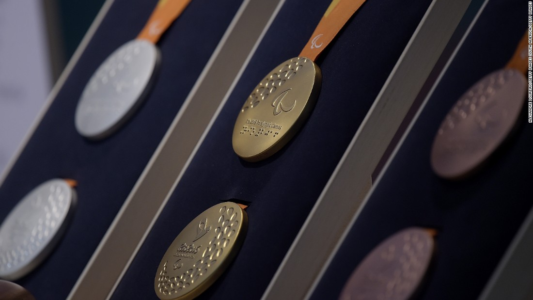 The gold medals are free from mercury, with the silver and bronzes having been produced using 30 percent recycled materials, while half of the plastic in all of their respective ribbons come from recycled plastic bottles.