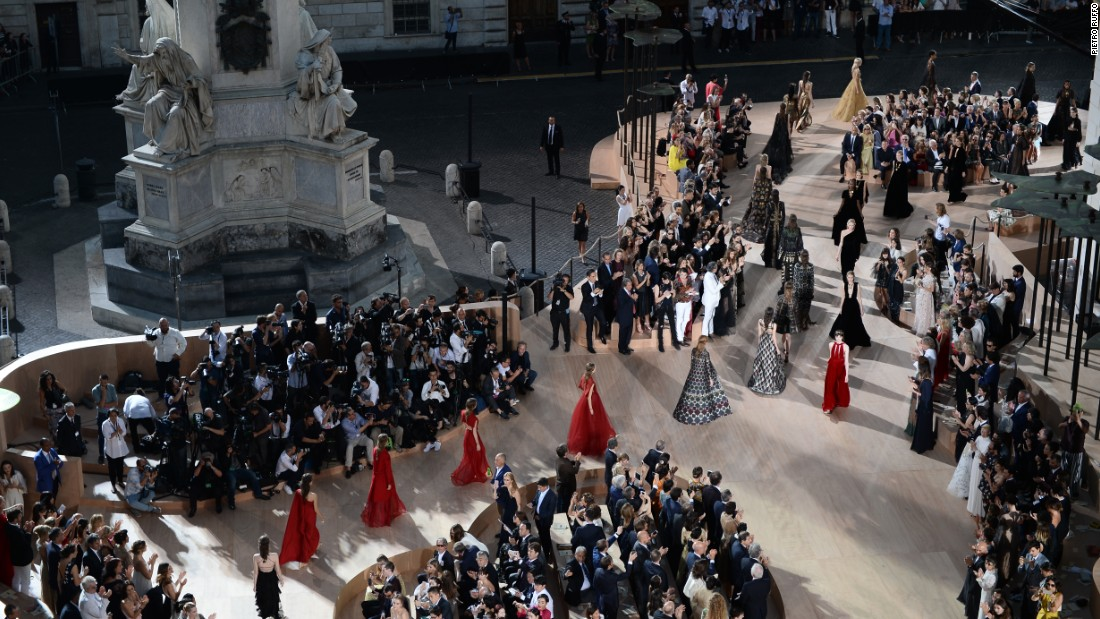 Ruffo's work has touched the fashion world too -- in 2015 he designed a giant catwalk for Valentino in the historic Piazza di Spagna.