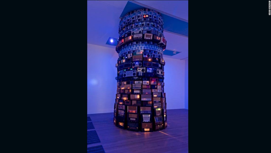 Babel 2001, Cildo Meireles