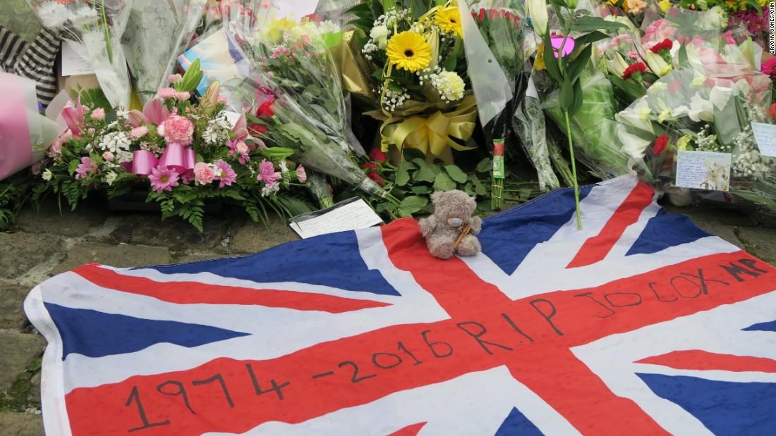 Jo Cox killing: Thomas Mair guilty of murdering British politician