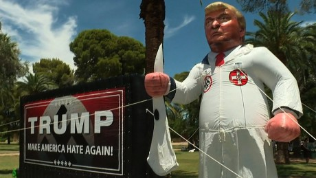 Donald Trump inflatable KKK costume nr_00005230