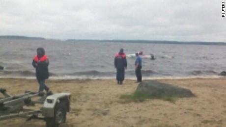 Russia boat capsizes_00002925
