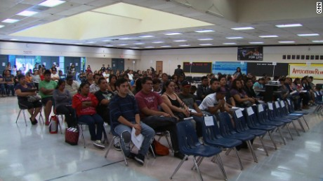 cnnee pkg jaqueline hurtado el programa daca inmigrantes estados unidos _00033328