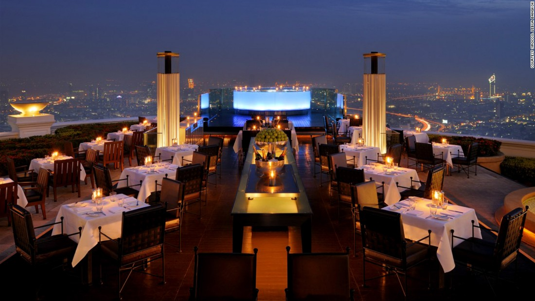 As the highest alfresco restaurant in the world, Sirocco serves up high-end international cuisine and an amazing view of Bangkok.