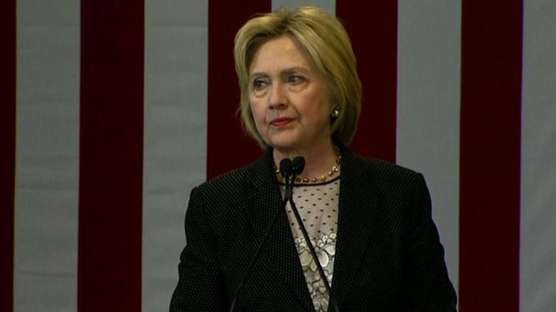 Hillary Clinton Donald Trump economy_00000000