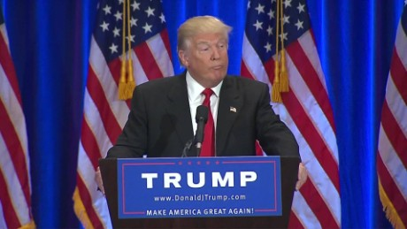 donald trump reading teleprompter sniffing moos erin_00012908