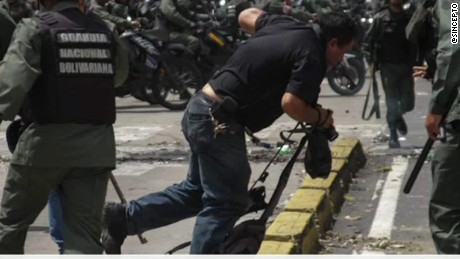 venezuela journalists under attack romo pkg_00001324