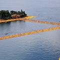 christo floating piers 8