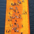 christo floating piers 9