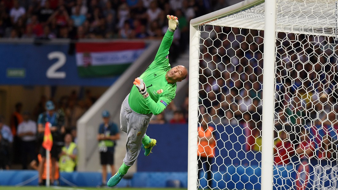 Hungarian goalkeeper Gabor Kiraly saves a shot.