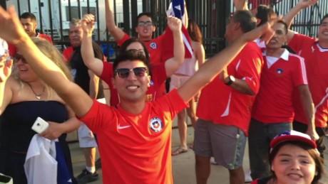 cnnee en marcha vo aficionados chilenos sin boleto pero con animo_00002001