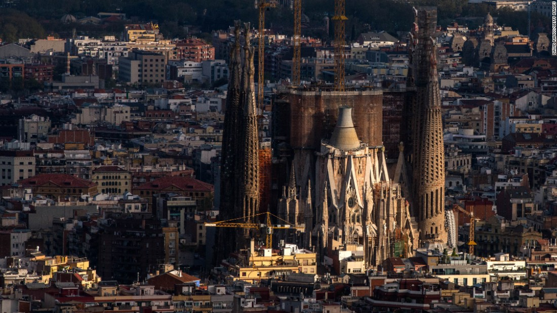 It doesn't matter that Barcelona's Basílica de la Sagrada Família, designed by renowned architect Antoni Gaudí, isn't finished. It's still Barcelona's most popular attraction.