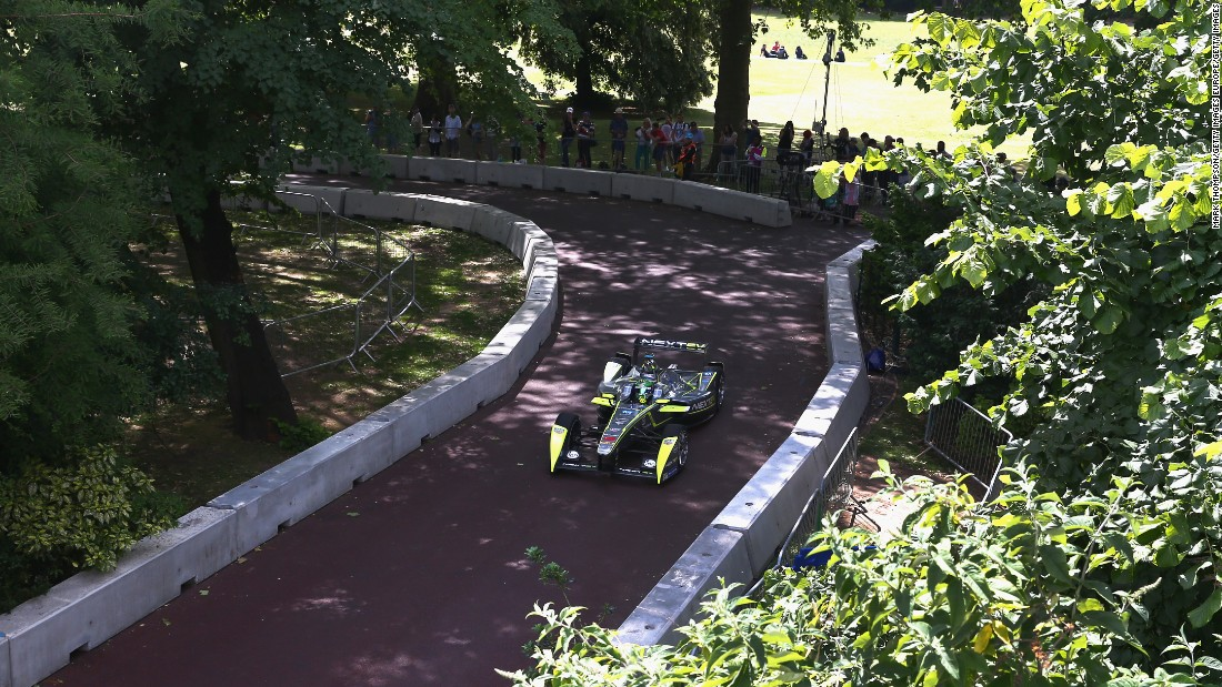 """The only downside of Battersea Park is that it's narrow -- not as wide as Buenos Aires or Mexico -- so to overtake is extremely difficult,"" Di Grassi explains. ""So that means qualifying positions become very important."""