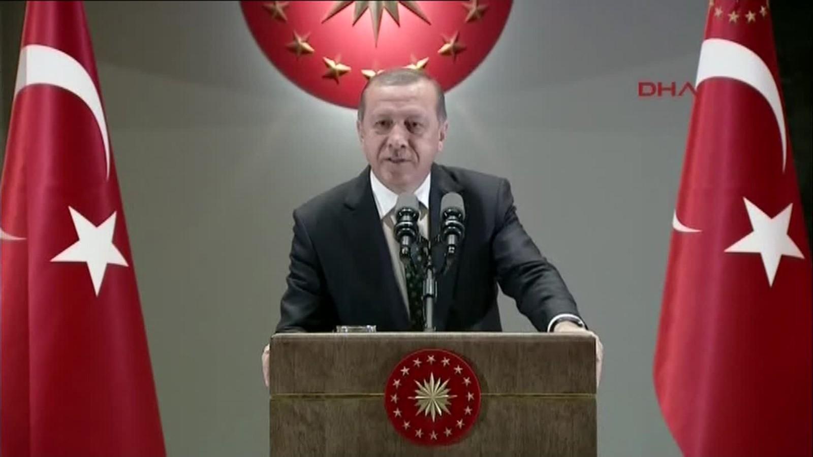 [Image: 160629154856-turkey-president-erdogan-un...ll-169.jpg]