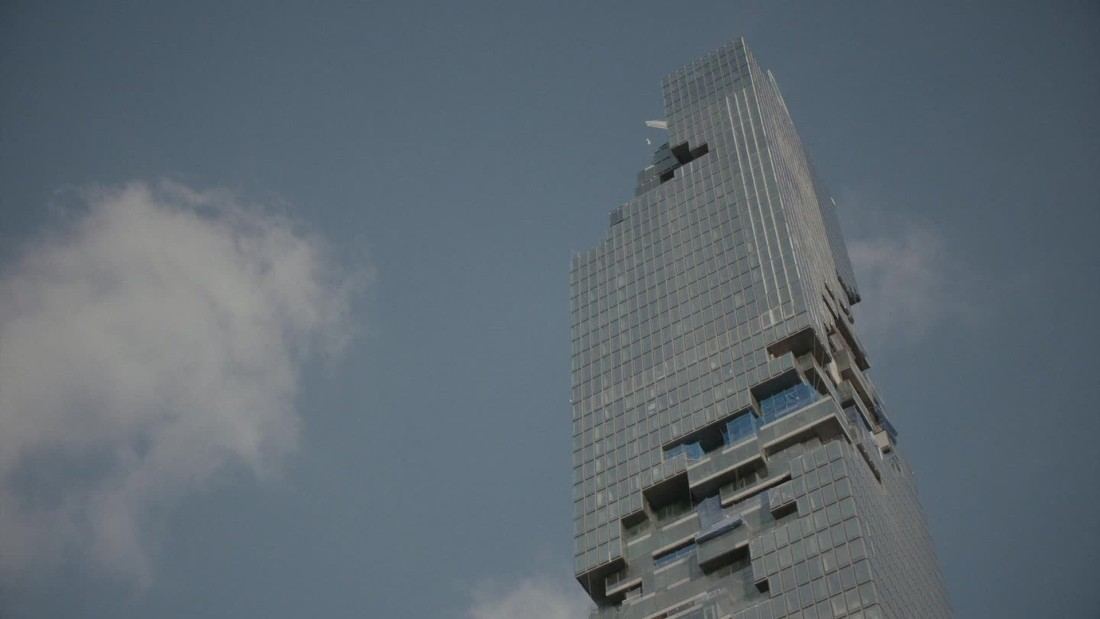 Is this the world 39 s craziest new skyscraper cnn video for Bangkok architecture