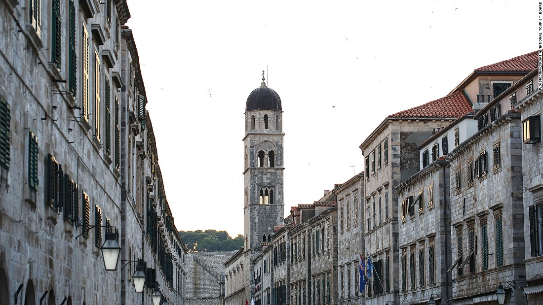 Within the city fortifications, baroque churches rub shoulders with centuries-old monasteries and palazzo.