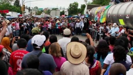 cnnee pkg krupskaia bloqueos maestros oaxaca chiapas desabasto_00003324