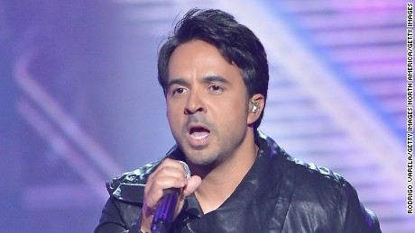 MIAMI, FL - APRIL 30:  Luis Fonsi performs onstage at the 2015 Billboard Latin Music Awards presented bu State Farm on Telemundo at Bank United Center on April 30, 2015 in Miami, Florida.  (Photo by Rodrigo Varela/Getty Images)