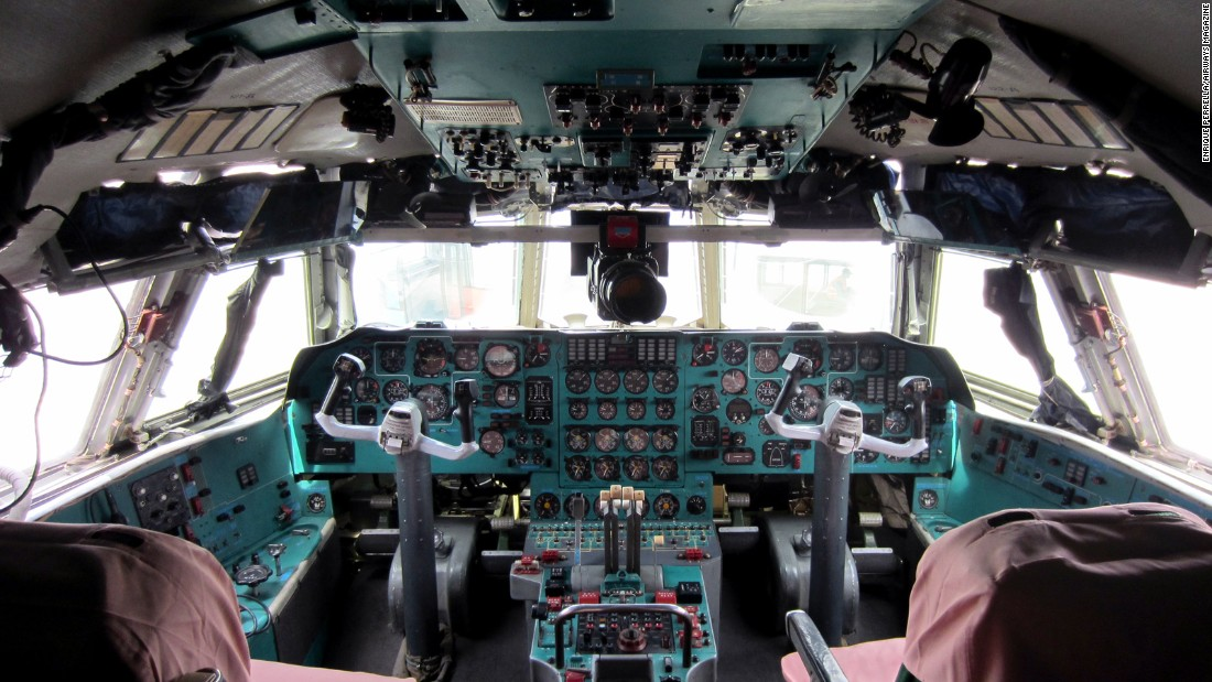 If you were on the flight crew of Air Koryo's Il-76, this would be your office.