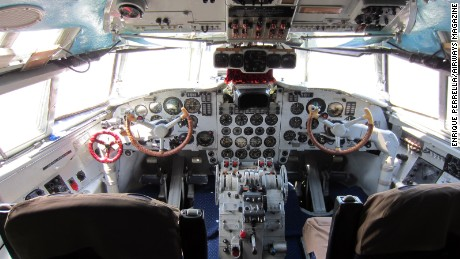 The flight deck aboard the Il-18