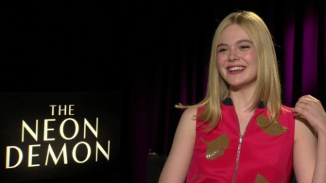 the neon demon elle fanning movie pass_00020702