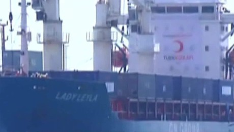 turkish aid ship docks in israel liebermann_00000405