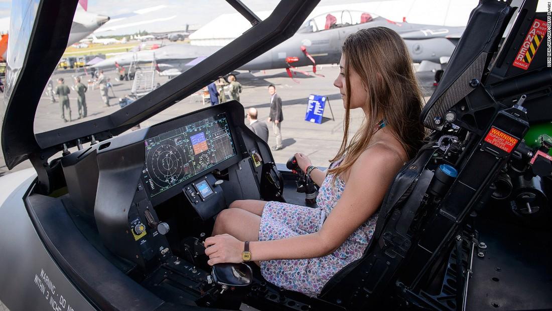 Farnborough Incredible Planes Shaking Major Airshow Cnn Com