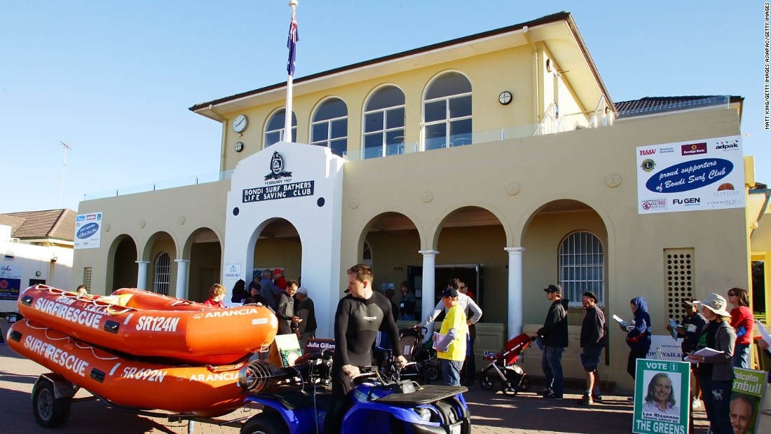 Sydney's Bondi Surf Bathers' Life Saving Club is officially recognized as the oldest surf lifesaving club in the world. Established on February 21, 1907, today the club has over 1,000 members with approximately 260 active volunteer lifesavers.
