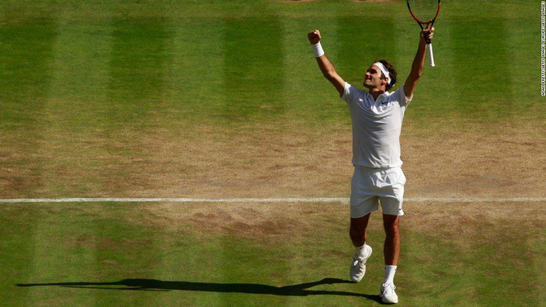 Seven-time Wimbledon champion Roger Federer rallied from two sets down to beat Marin Cilic and advance to the last four.