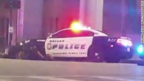 dallas police officer shooting ground vo_00003228.jpg