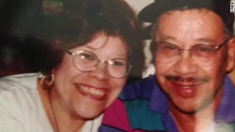 couple married 58 years dies hours apart  pkg_00004611