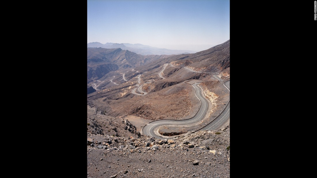 The Jebel Jais mountain road, in Ras al-Khaimah, climbs the highest peak in the Hajjar Mountains.