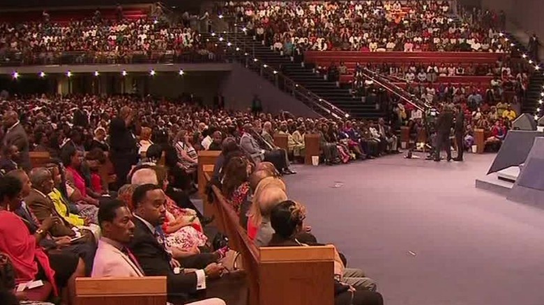Dallas church prays for victims of shootings