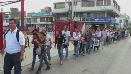 cnnee pkg osmary hernandez frontera abierta venezuela_00030707
