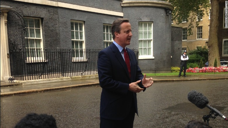 David Cameron announces impending resignation
