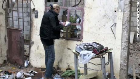 marie colvin family sues syrian regime elbagir pkg_00001001