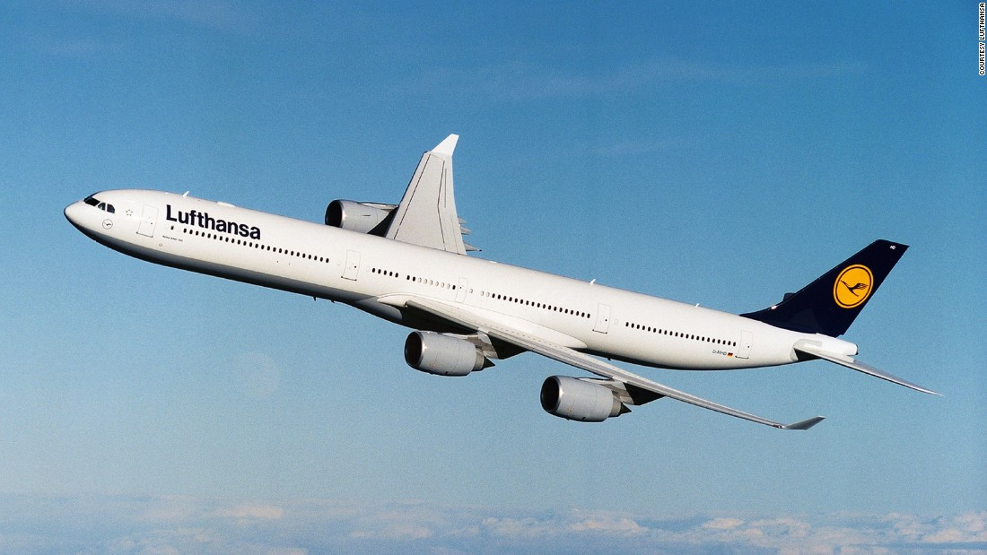 Skytrax has revealed its 2016 top 10 best airlines. In 10th place is German carrier Lufthansa. It's successfully climbed two places to re-enter the top 10 list.