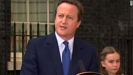 uk david cameron family leave ten downing street_00064212.jpg