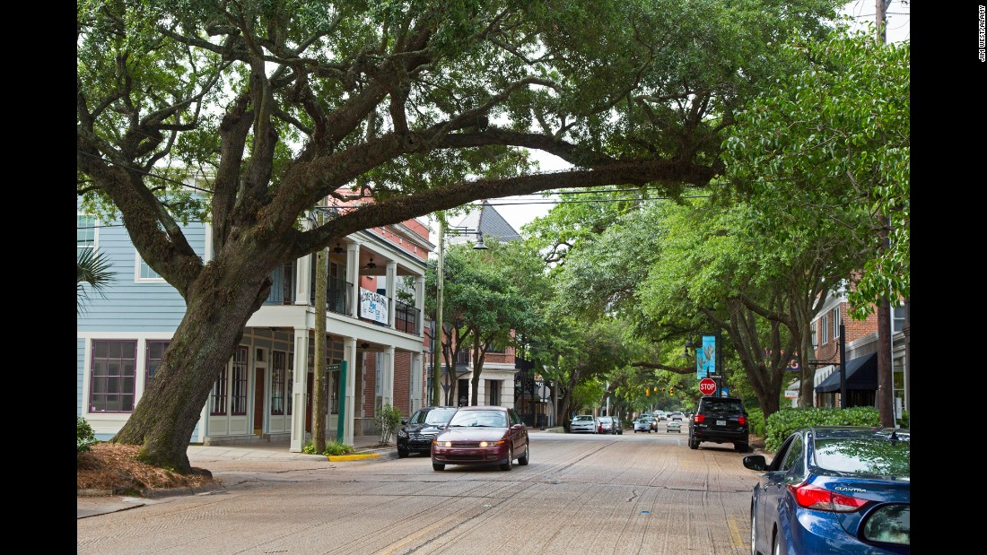 Ocean Springs, Mississippi, is home to the Walter Anderson Museum of Art, which features work by hometown art heroes the Anderson brothers. Downtown streets are dotted with galleries and restaurants.