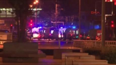 cnnee brk golpe estado turquia polica en ankara_00003611