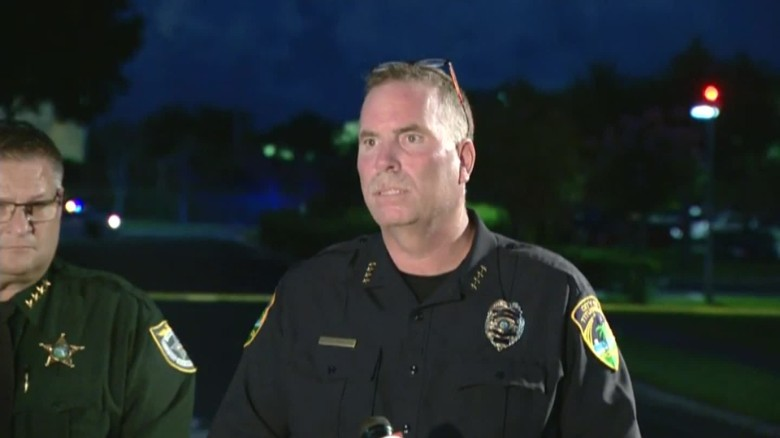 2 killed in shooting at Florida hospital sot_00011622