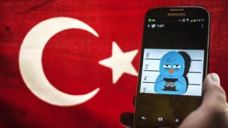 cnnee pkg burke golpe estado turquia bloqueo redes sociales_00001828