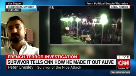 exp Survivor tells CNN how he made it out alive_00033130