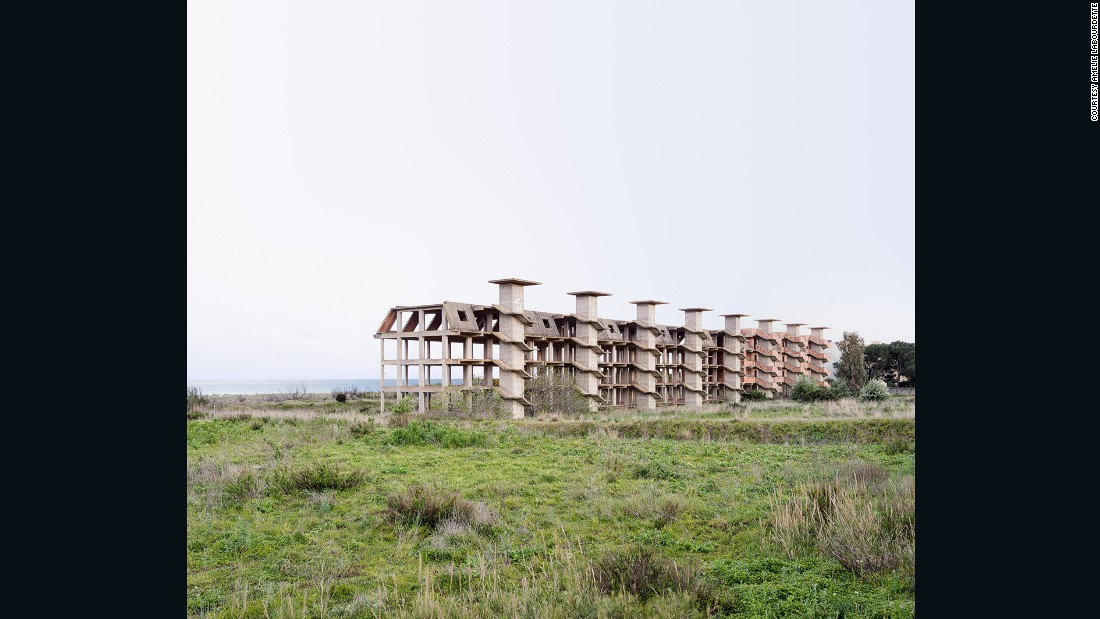Labourdette photographed unfinished buildings, as well as roads and bridges.