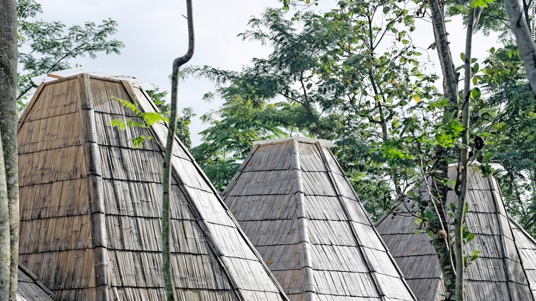 Located on the ridge of Mount Merbabu, in Central Java, this building also by Pradono is a house made of locally-sourced materials. Its center point is a library, designed to encourage the sharing of knowledge among local people.