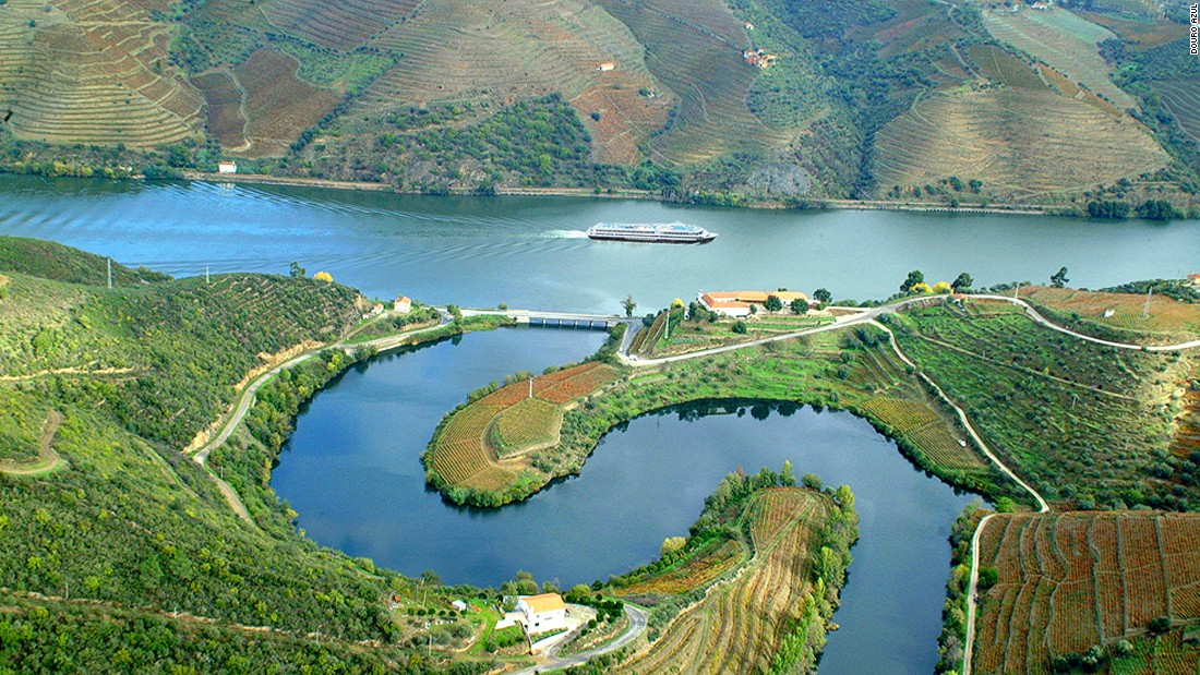 Portugal 39 S Douro River Flows Like Liquid Gold