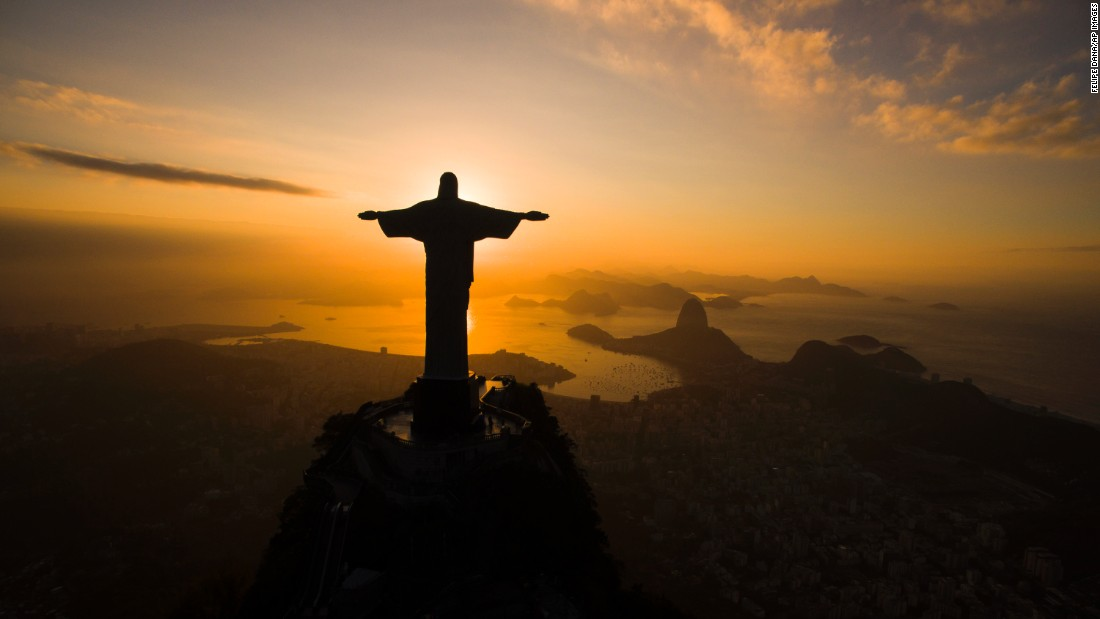 "The sun rises behind the Christ the Redeemer statue in Rio de Janeiro on Tuesday, July 19. <a href=""http://www.cnn.com/2016/07/15/world/gallery/week-in-photos-0715/index.html"" target=""_blank"">See last week in 31 photos</a>"