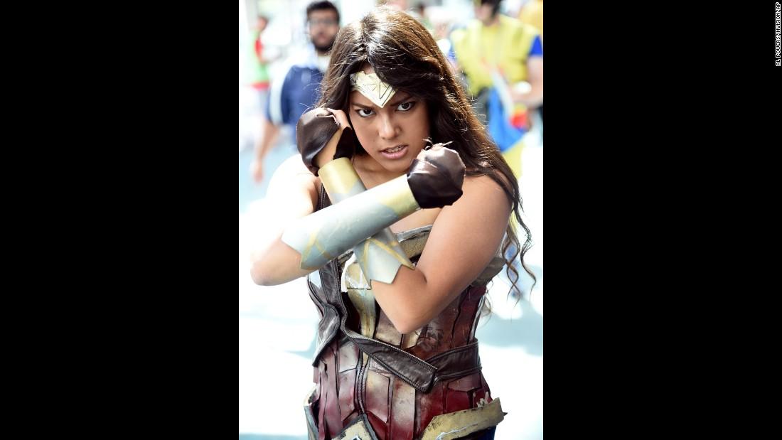 A fan portrays a fierce Wonder Woman.
